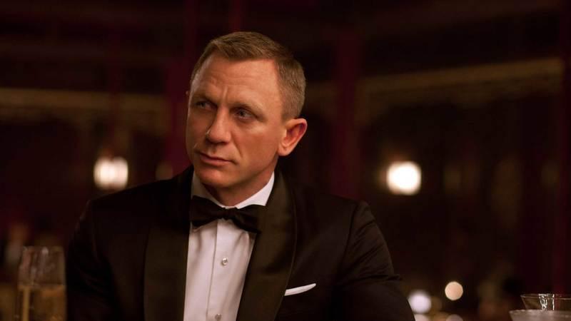 """Podia ter morrido em """"Quantum of Solace"""": James Bond tem um grave problema de alcoolismo"""