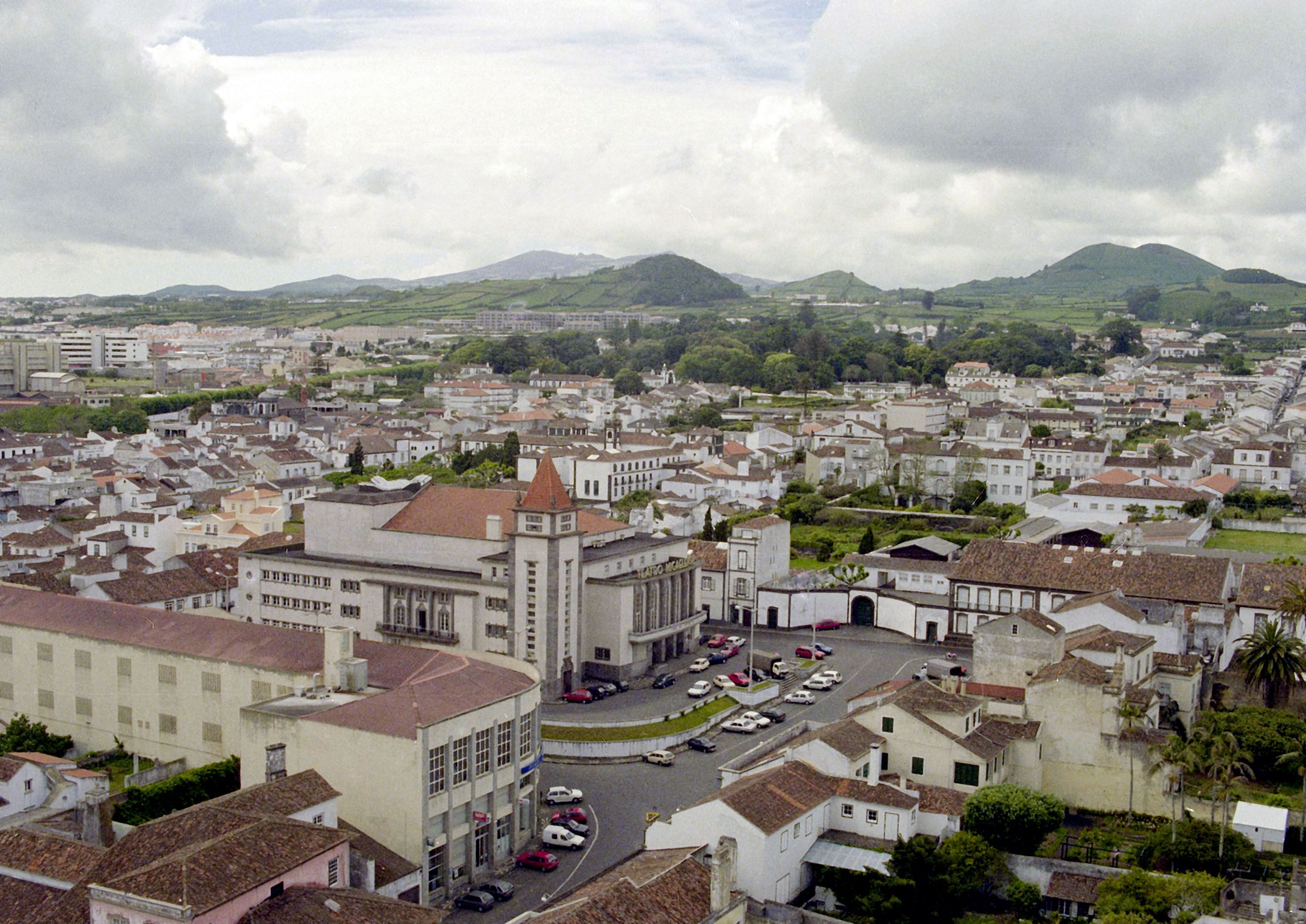 Açores abrem candidaturas a linha de crédito para reabilitação urbana