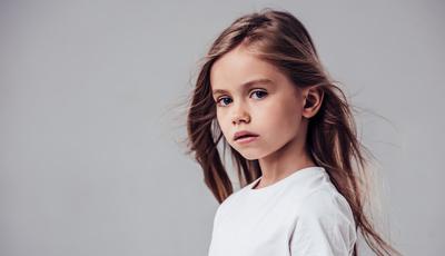 Queda de cabelo na infância. Dermatologista ajuda a identificar os sinais de alarme