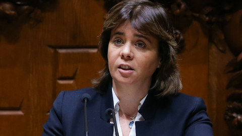 "Catarina Martins defende que ""tudo o que tiver corrido mal"" na queda do helicóptero do INEM ""deve ter consequências"""