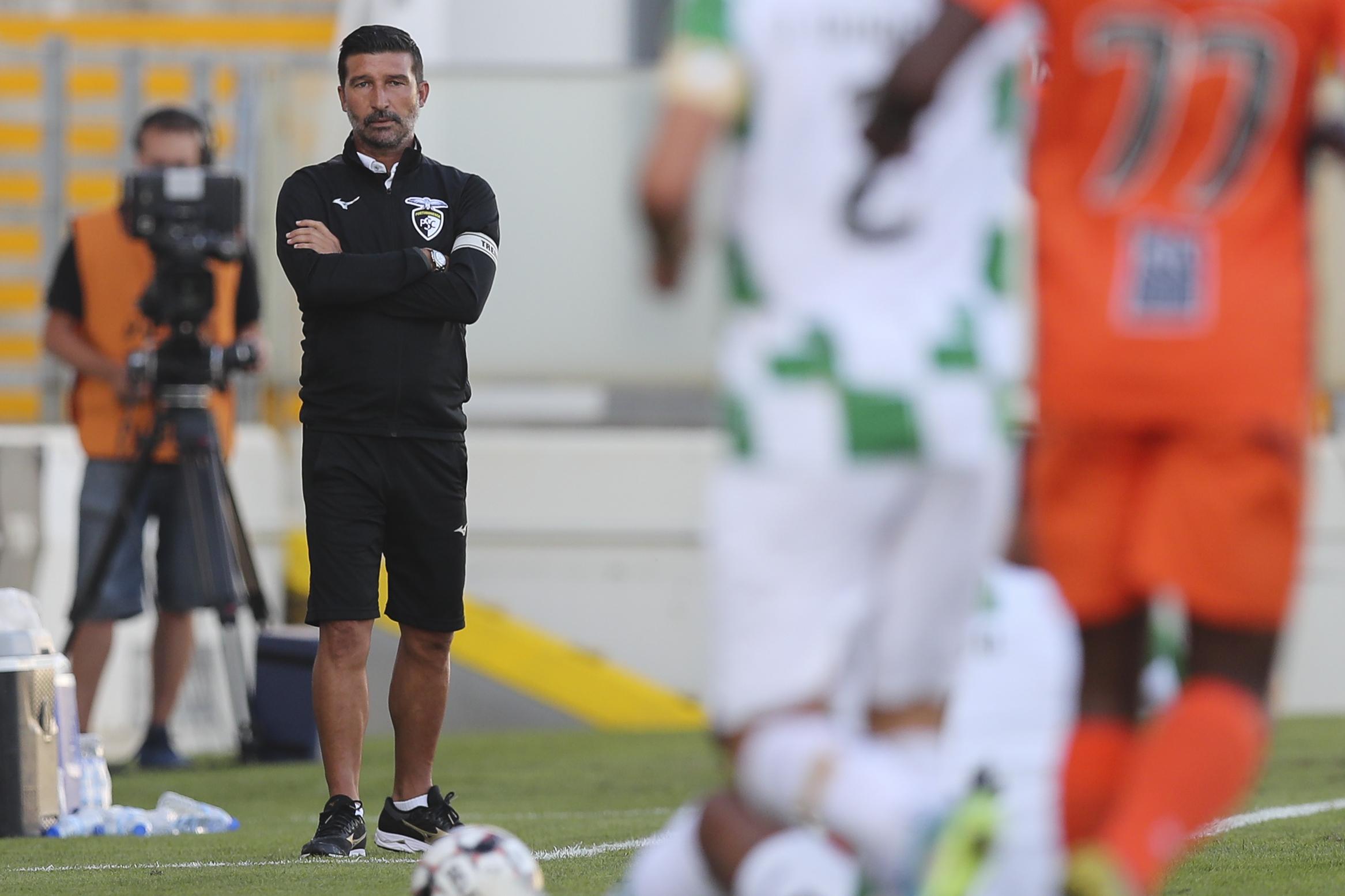 António Folha anuncia saída do comando técnico do Portimonense
