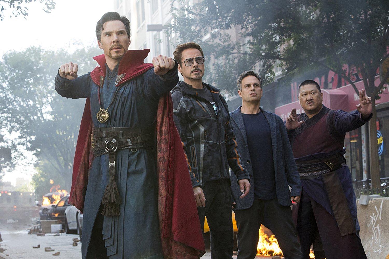 """e-Cinema: Eles estão todos juntos e prontos para a guerra no novo """"Vingadores"""""""