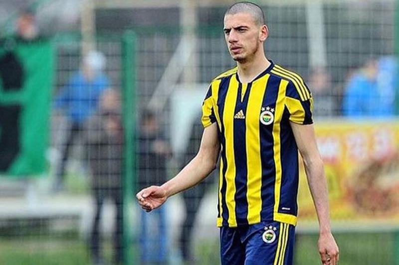 Demiral fica no Sporting com contrato blindado