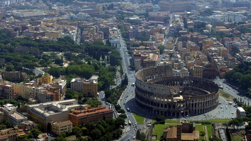 Coronavírus: Itália anuncia terceira morte e Reino Unido quatro novos casos
