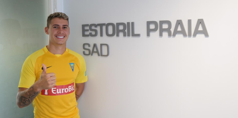 Estoril confirma chegada do médio Matheus Sávio