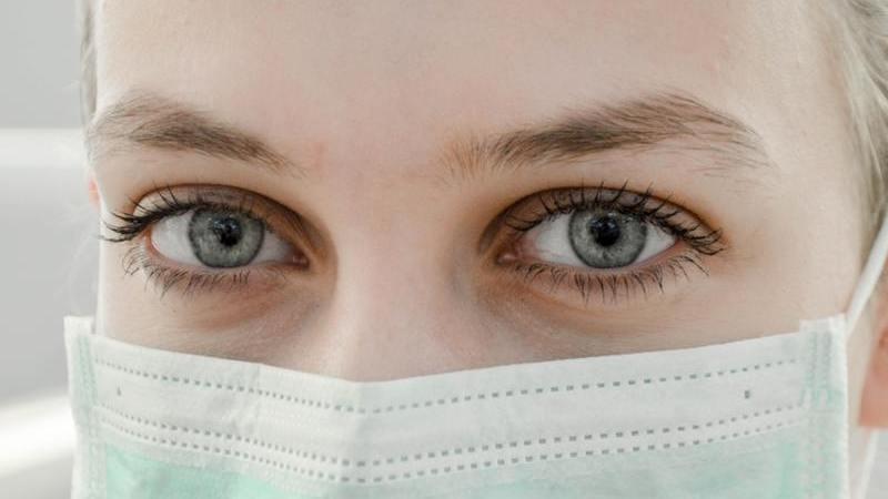 Siga estes conselhos para ter sempre a sua cara protegida com o uso da máscara