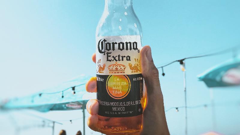 Coronavírus não matou a cerveja Corona: vendas sobem 50%
