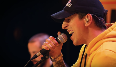 """""""Deixei tudo por ela"""": Fernando Daniel faz versão de canção de Zé Cabra"""
