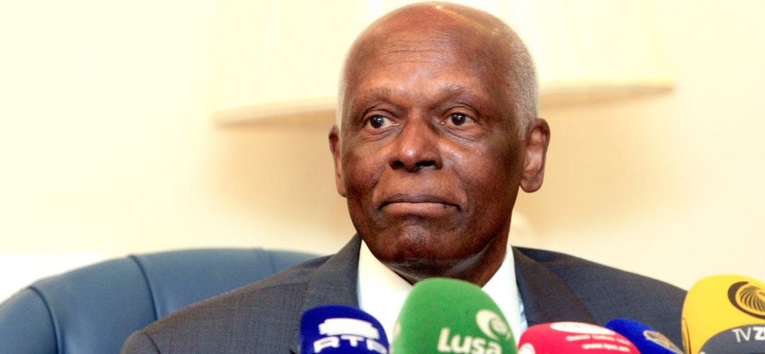 Angola: Eduardo dos Santos diz que deixou 15 mil milhões de dólares nos cofres do Estado