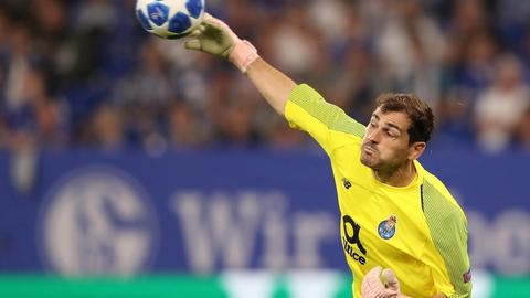 Casillas numa 'casa' só sua. Iker torna-se no primeiro jogador a disputar 20 épocas de Liga dos Campeões