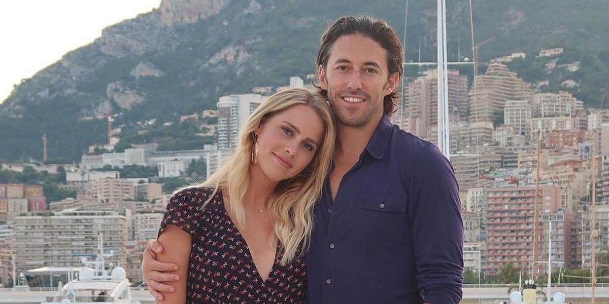 Claire Holt, atriz de 'Diários do Vampiro', casou