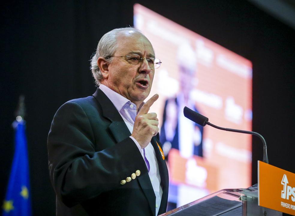 """Rui Rio acusa Costa de deitar PCP e BE para a """"roda dos enjeitados"""" em """"encenação"""""""