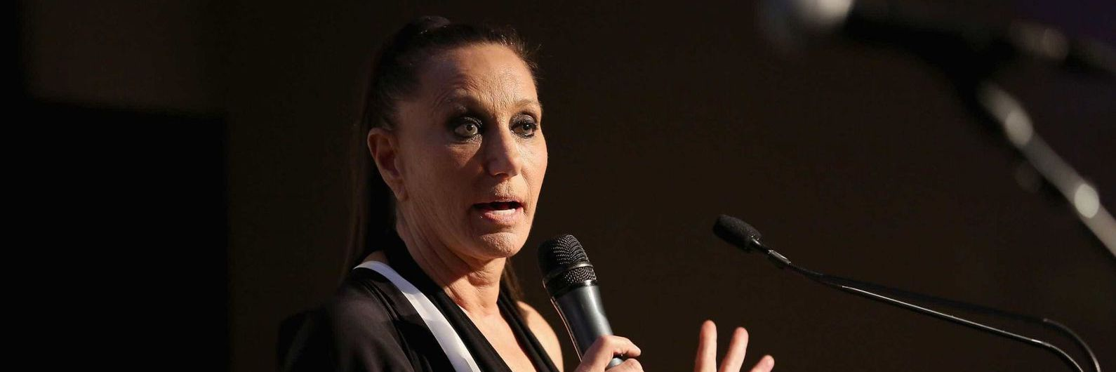 Escândalo sexual: Donna Karan pede perdão após defender Harvey Weinstein