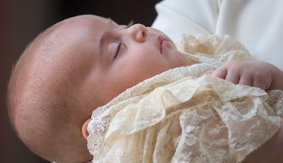 Divulgadas as fotos oficiais do batizado do príncipe Louis