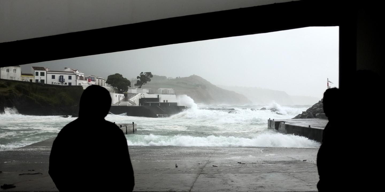 Açores em alerta amarelo devido chuva e trovoada
