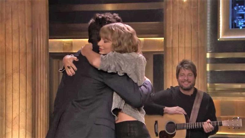 Taylor Swift fez chorar Jimmy Fallon no 1.º programa após morte da mãe