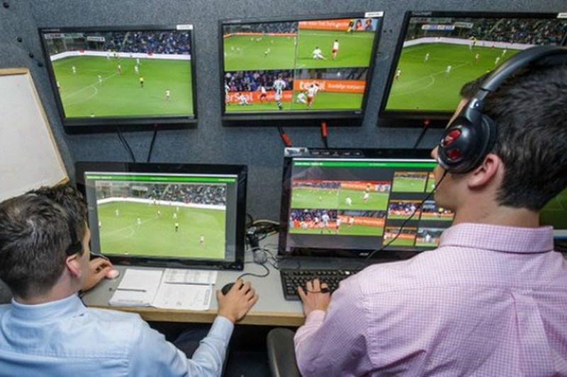 É oficial: Infantino confirma vídeo-árbitro no Mundial de 2018