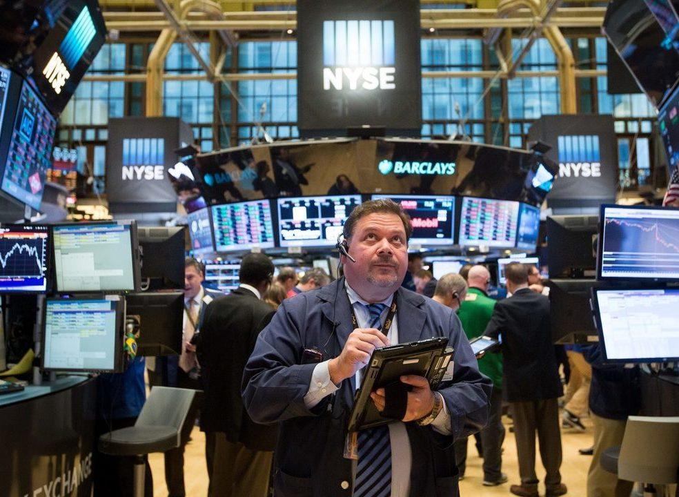 'Rally' das tréguas comerciais perde força e Wall Street fecha na 'linha de água'