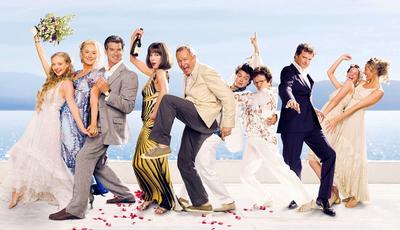 """""""Mamma Mia!"""": como estão os atores do primeiro filme?"""
