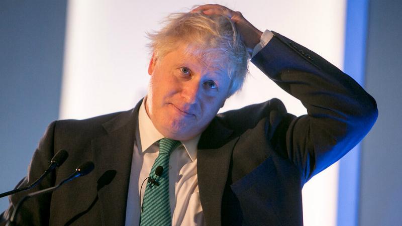 Infetado com COVID-19, Boris Johnson recebe oxigénio mas não está ligado a um ventilador