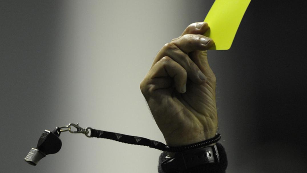 O que acontece quando é o árbitro que marca o golo?