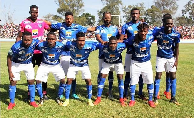 Futebol/Angola: Recreativo da Caála vence Saurimo FC por falta de comparência