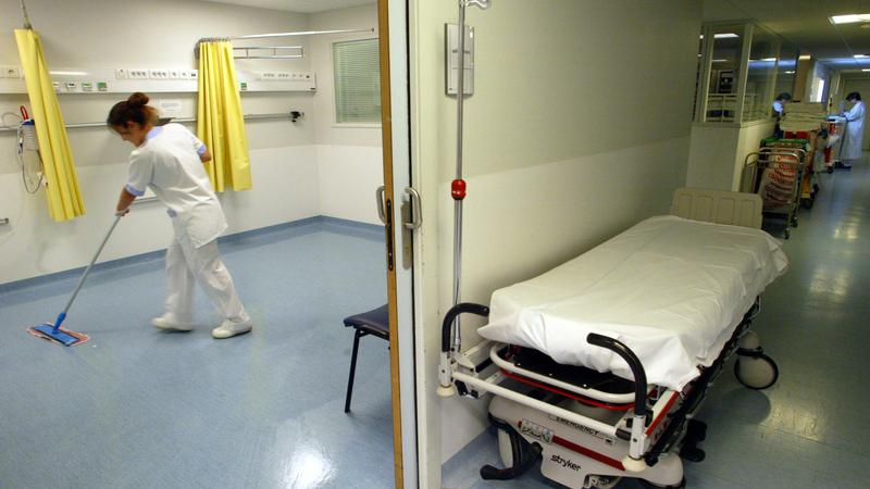 Hospitais suspendem utilização de desinfetantes contaminados com bactérias