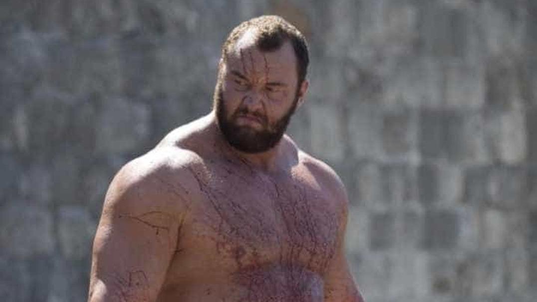"""Montanha de """"Game of Thrones"""" faz história ao levantar 473kg de peso morto"""