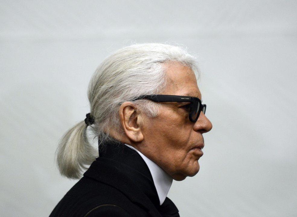 """Karl Lagerfeld, o genial e provocativo """"Kaiser"""" da moda"""