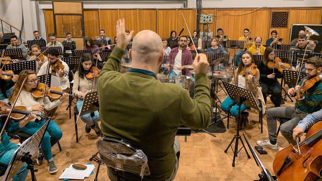 De António Variações a Lady Gaga: nos ensaios da Lisbon Film Orchestra