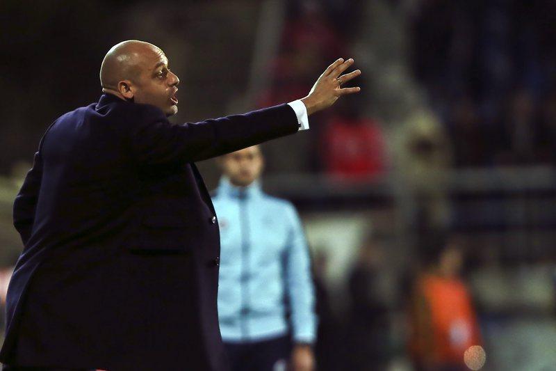 Pedro Carmona chama 18 jogadores para receção ao Sporting