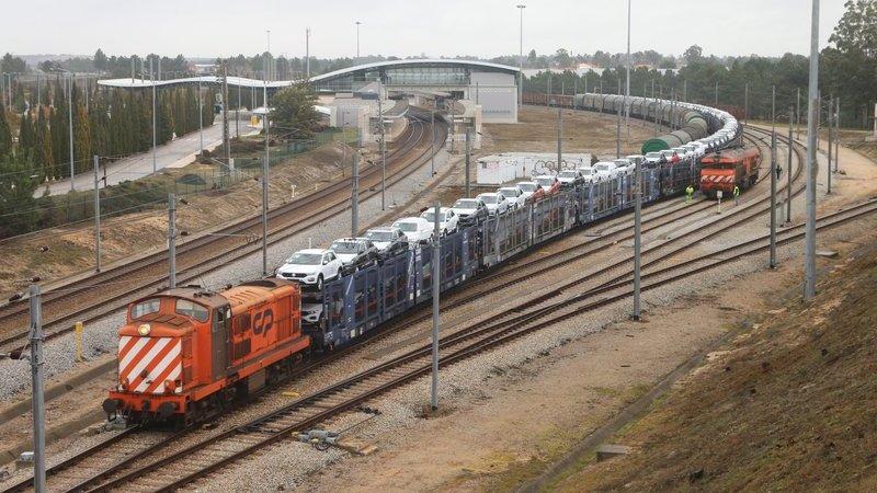 T-Roc da Autoeuropa já está a testar viagem de comboio para o porto de Santander. Veja as fotos