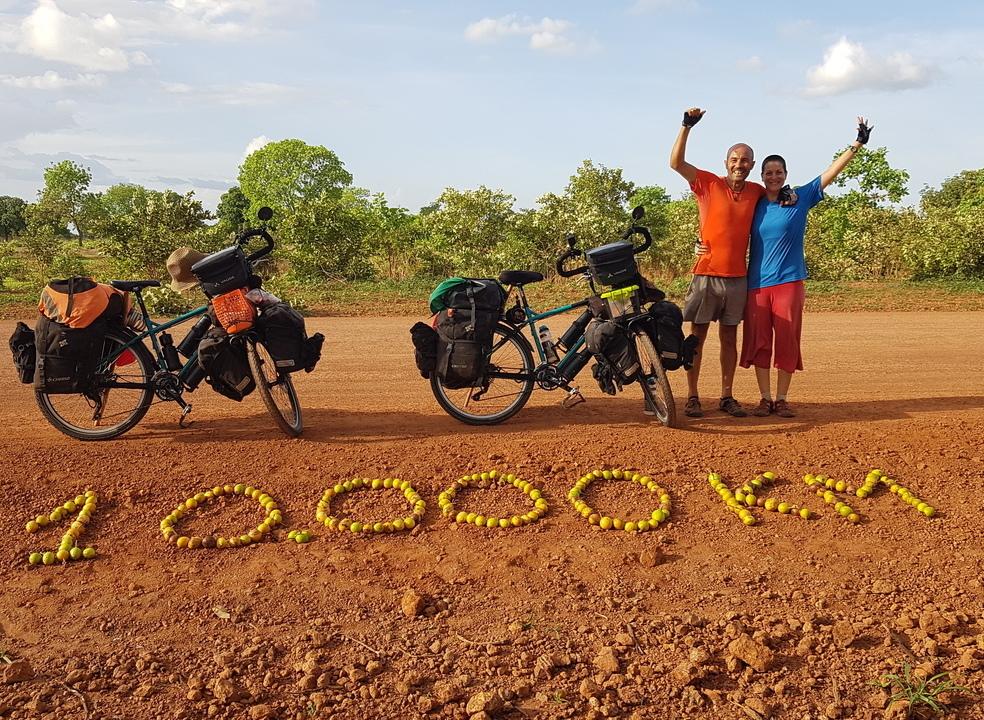 A pedalar se vai ao longe e estes viajantes são a prova disso