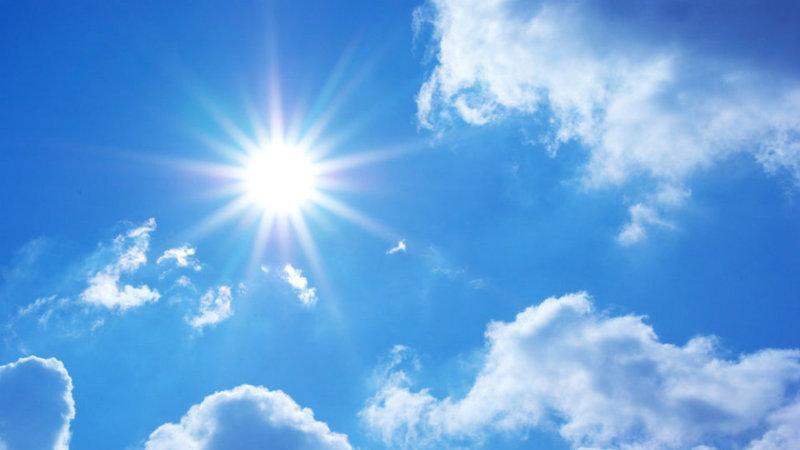 Hoje nos jornais: Verão mais quente faz soar alarmes e a ordem para travar multidões na noite