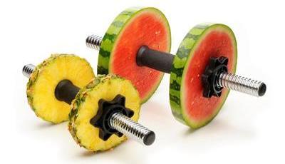 O que comer antes, durante e depois do treino? As dicas de uma nutricionista