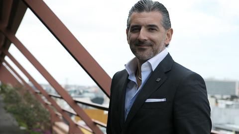 """CEO da Altice Portugal à TVI: """"É fundamental que se injete liquidez na Economia para evitar uma recessão de longa duração"""""""