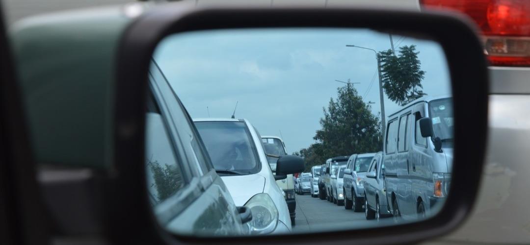 Fabricantes de automóveis enfrentam multas gigantes na Europa por demasiada poluição