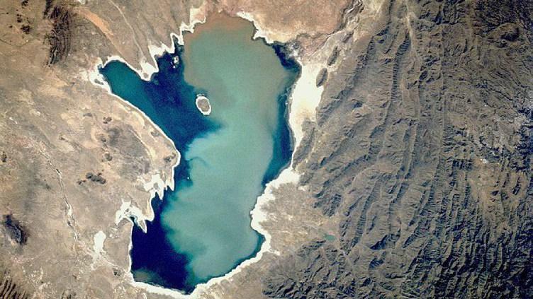 Satélite confirma evaporação total do segundo maior lago da Bolívia
