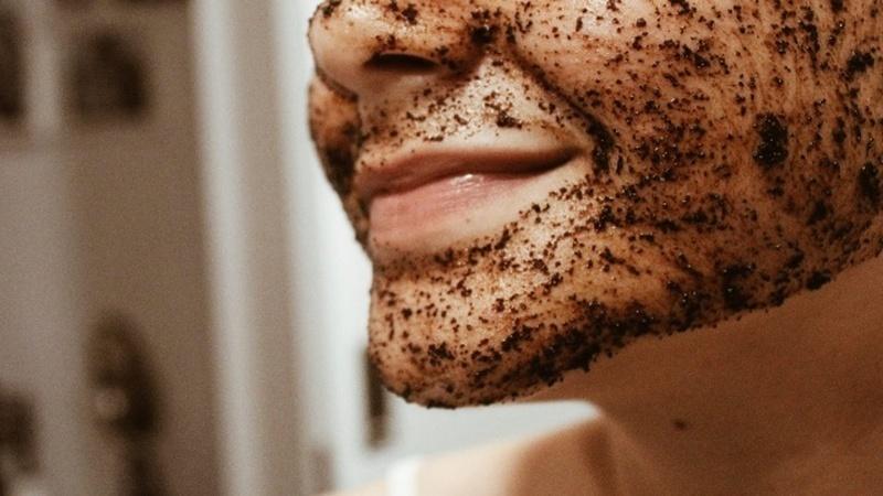 Testei máscaras faciais caseiras – e quase tive um ataque de ansiedade com uma delas