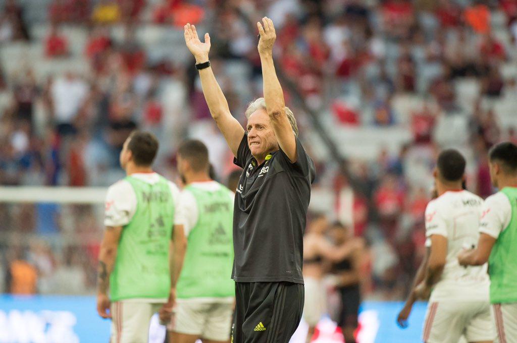Jorge Jesus volta a ser eleito treinador da jornada no Brasileirão