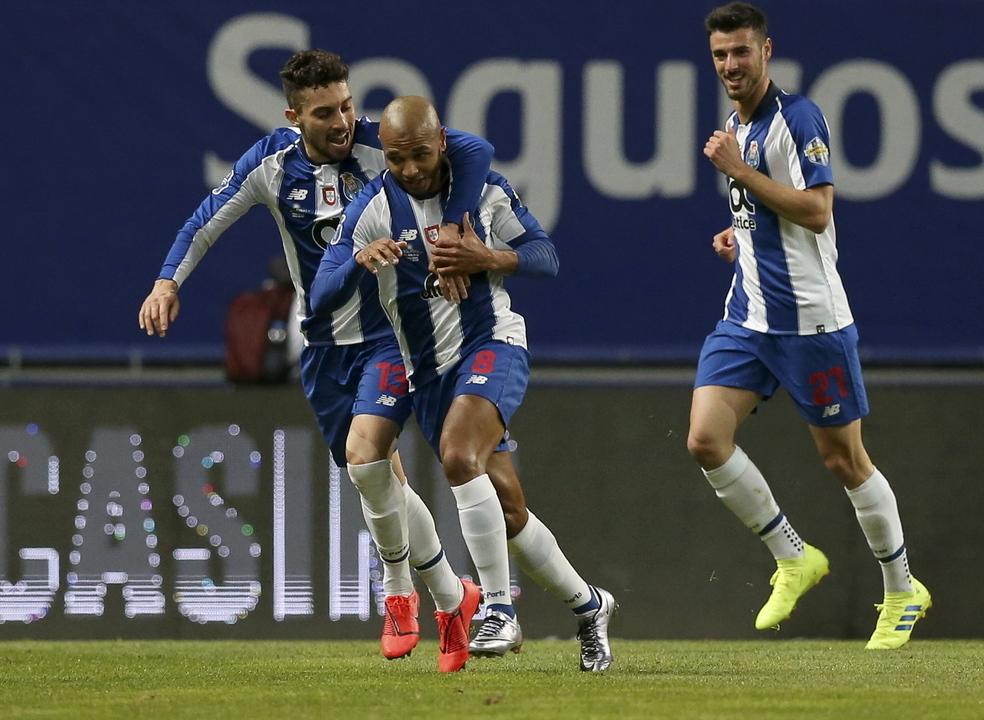 FC Porto vence clássico com Benfica e garante um lugar na final da Taça da Liga