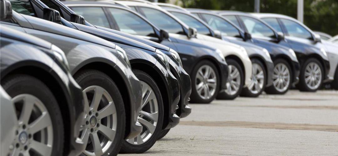 Porque é que compramos sempre carros da mesma cor?