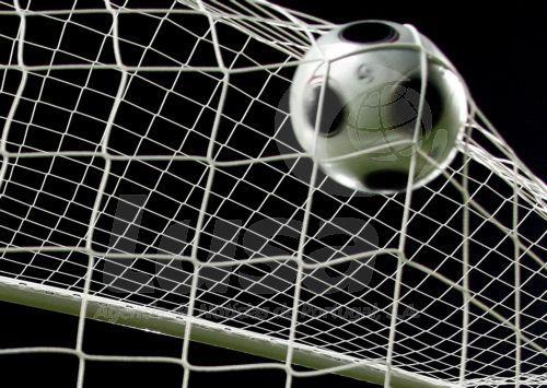 Covid-19: 'Premier League' anuncia mais dois casos positivos em elementos de clubes