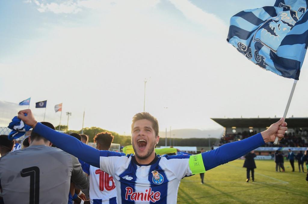 FC Porto: Diogo Queirós terminou época na Bélgica mas não entrou de férias