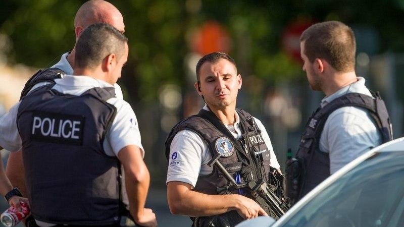 """Polícia britânica regista """"incidente"""" em centro de diversões e pede distância à população"""