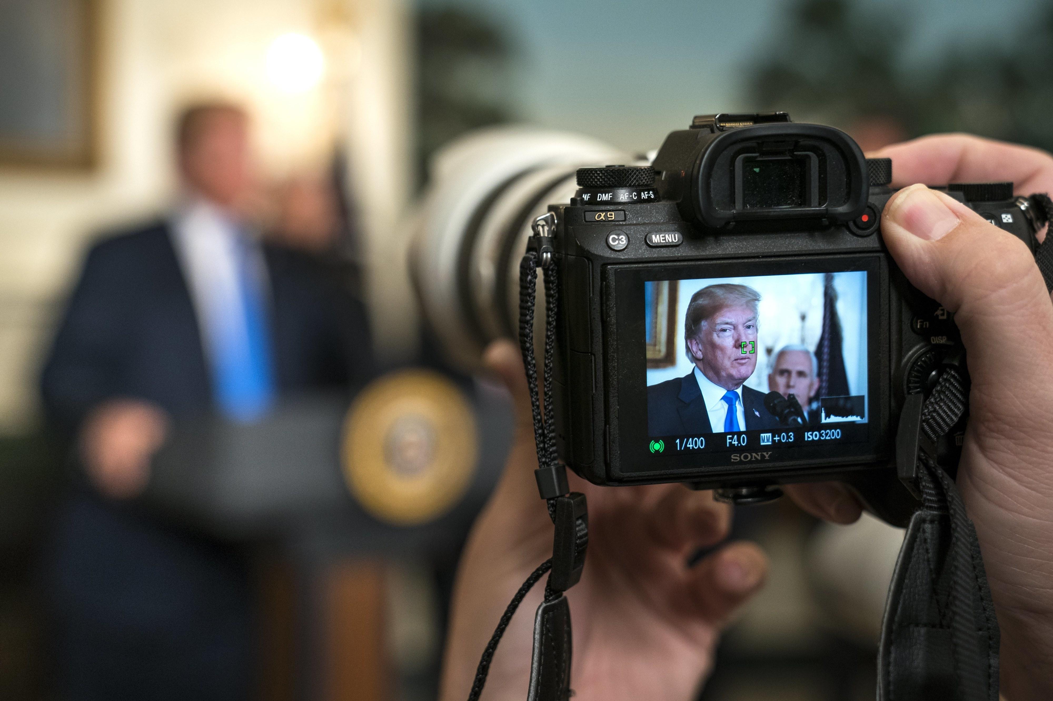 Trump confirma tarifas às importações da China no valor de 60 mil milhões de dólares