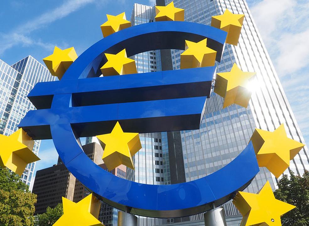 Taxa de inflação na zona euro cai para 1,9% em novembro
