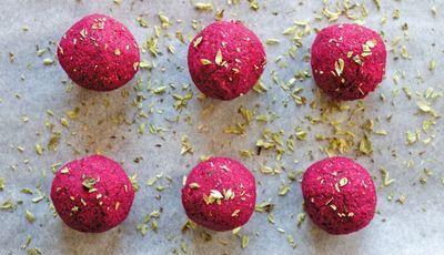 Almôndegas de quinoa vermelha e lentilhas