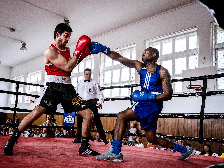 Boxe: Uma arte nobre e dura. Onde há respeito e se aprende a viver em paz
