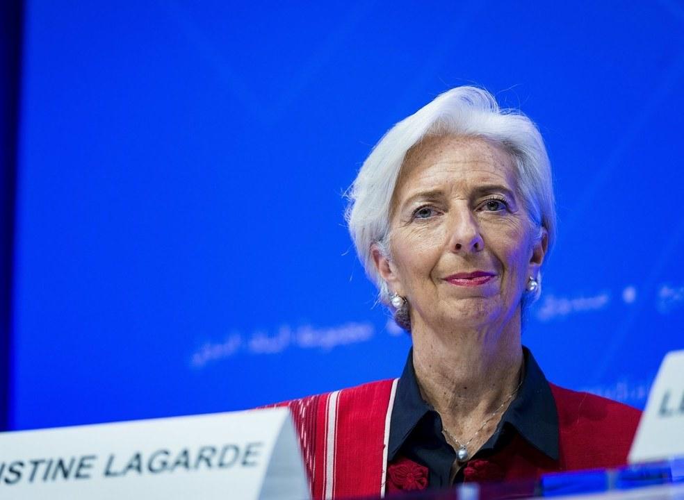 """FMI. """"Vamos intrometer-nos mais nas finanças dos nossos membros"""", diz Lagarde"""